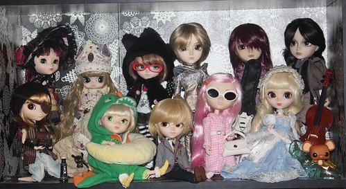 Sample Sale dolls