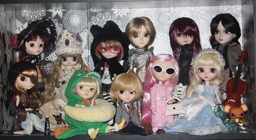 Sample Sale dolls