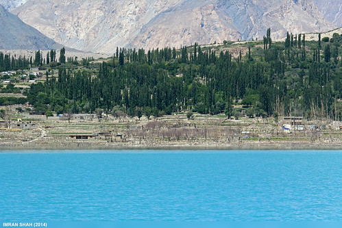 trees pakistan lake building water canon landscape geotagged structures sigma tags location elements vegetation greenery tele settlement gojal atabad gilgitbaltistan canoneos650d sigma150500mmf563apodgoshsm imranshah gilgit2