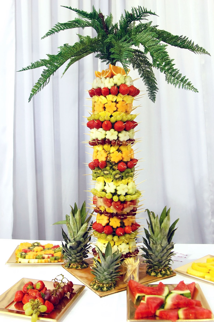 wedding-table-fruit-decoration