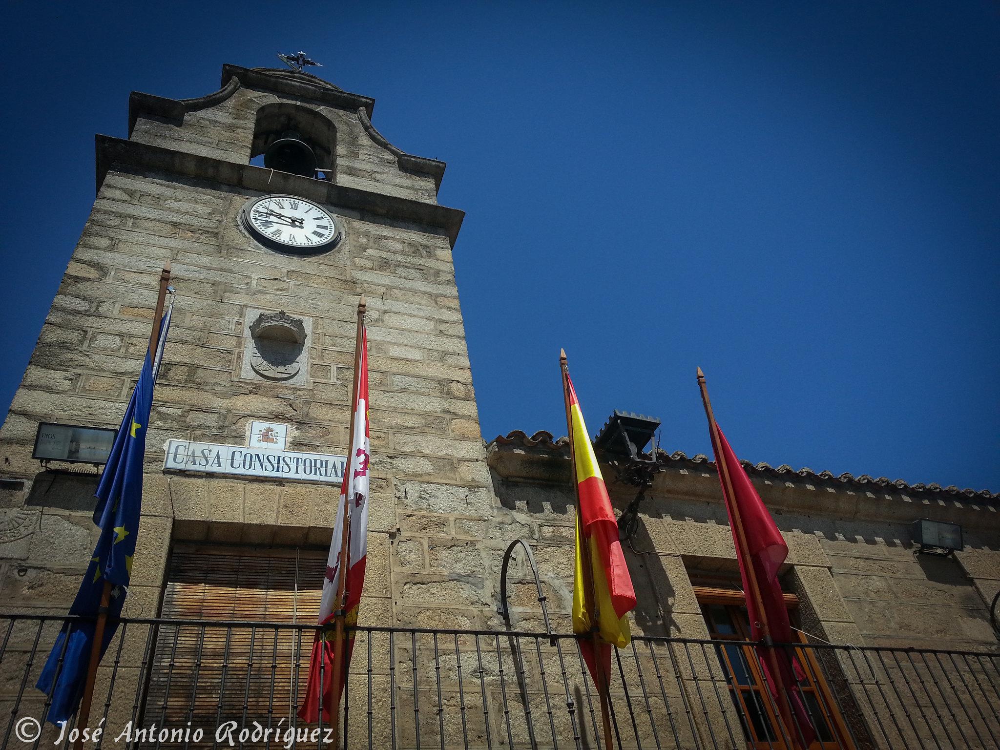 Edificio consistorial (La Adrada)