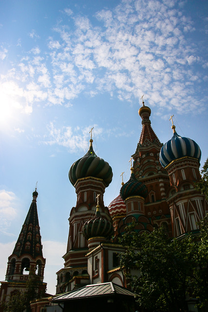 Sihouette of Saint Basil's Cathedral, Moscow, Russia モスクワ、聖ワシリー寺院(ポクロフスキー聖堂)のシルエット