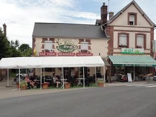 Joyce at Relais de l'Avenue Verte