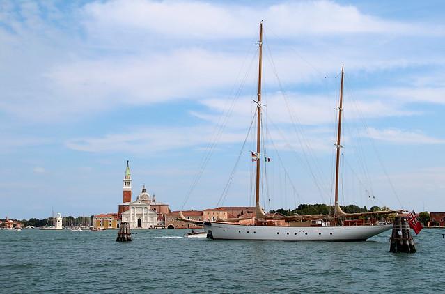 Vieux gréement à quai - Fondamenta San Giovani à Venise (Italie).