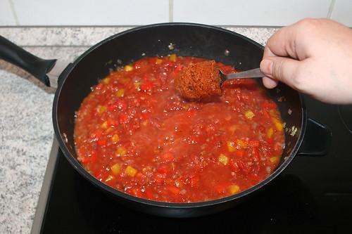 33 - Pesto rosso einrühren / Stir in pesto rosso