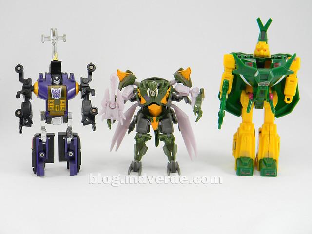 Transformers Hardshell Cyberverse - Transformers Prime Beast Hunters - modo robot vs Bombshell vs Barrage