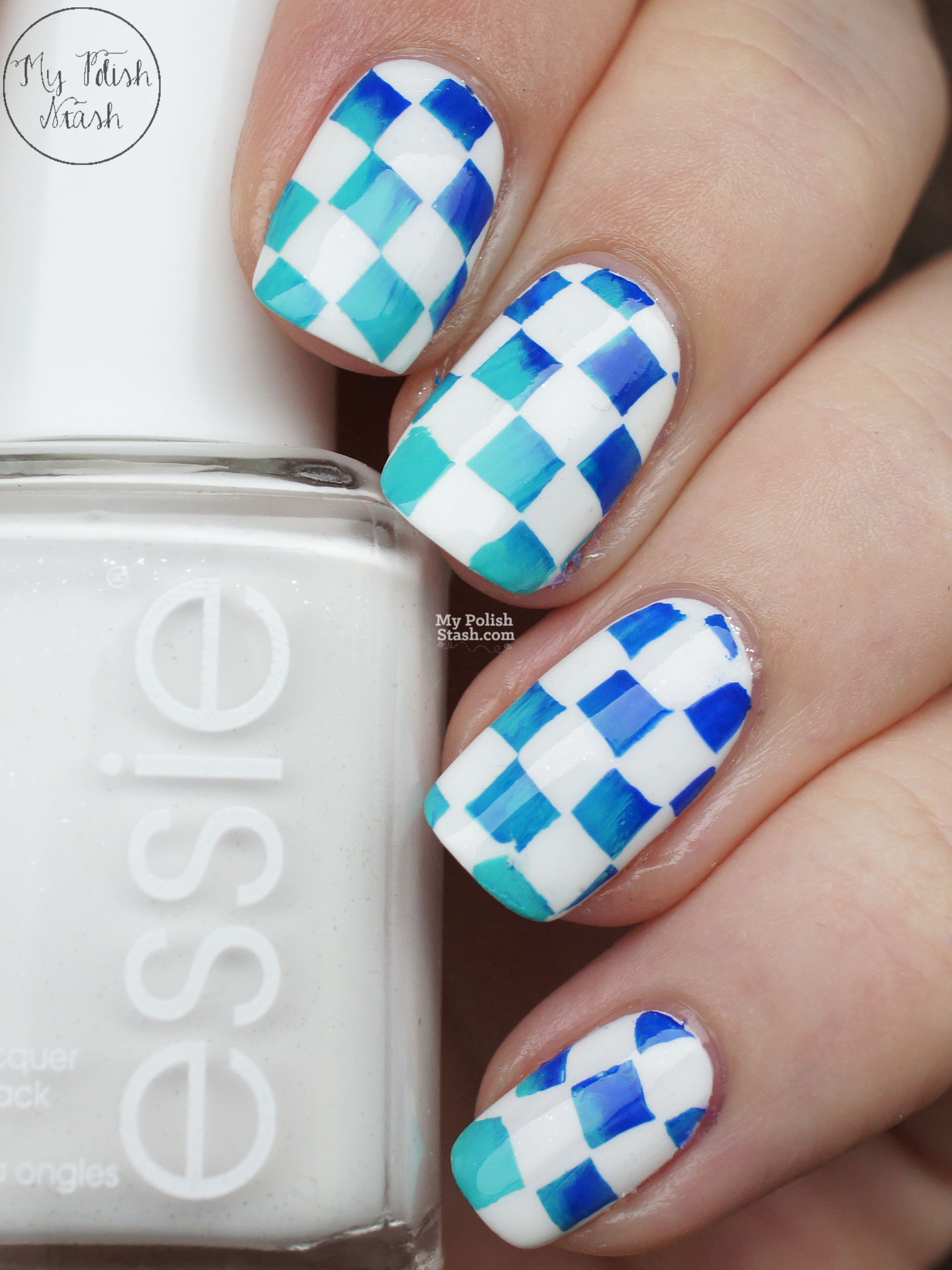 gradient-checkerboard-nail-art-1