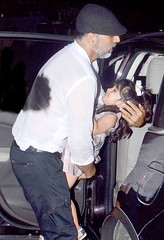 Akshay Kumar With Nitara Hangouts Pictures