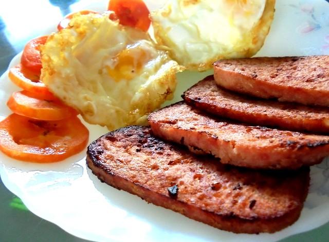 Luncheon meat & egg breakfast