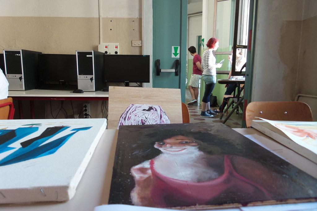 Sul banco degli esami estivi in Acme