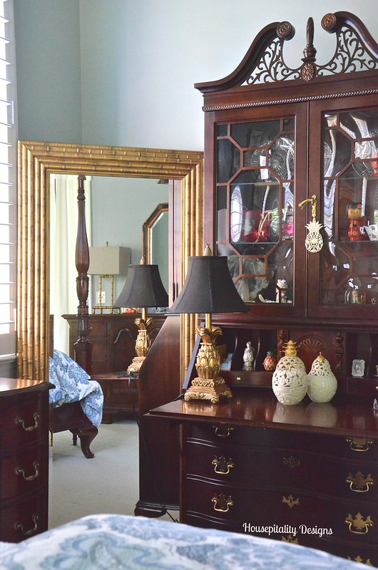 Master Bedroom Secretary - Housepitality Designs