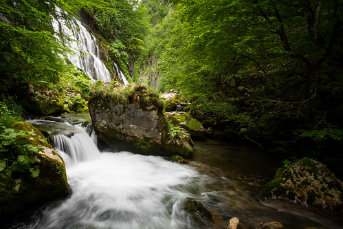 green water speed creek forest canon river landscape waterfall moss stream slow outdoor stones bosnia surface waterfalls herzegovina shutter serene 1740mm hercegovina 6d republika bosna reka srpska f4l slapovi zelenilo hrcavka
