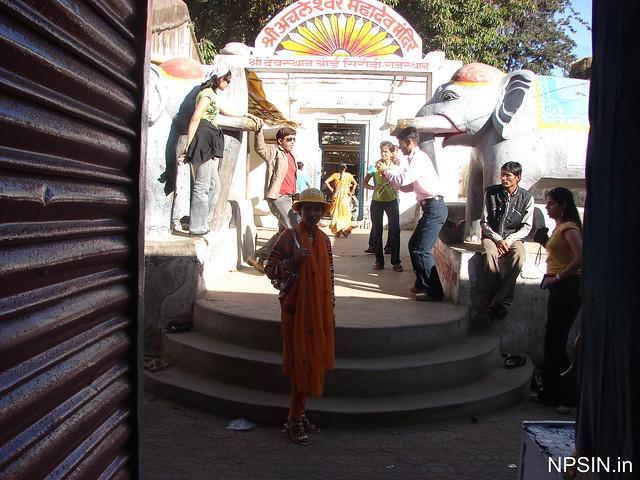 Main entry gate of Shri Achaleshwar Mahadev Mandir