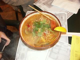 熱騰騰的湯麵
