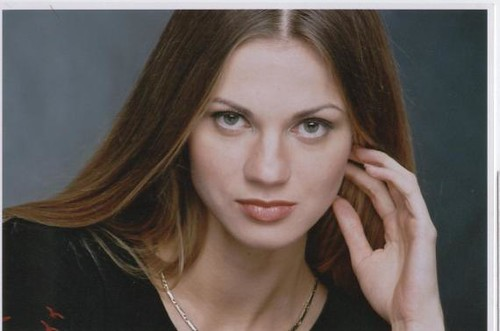 larisa senior singles 1 in 5 relationships start online singles find love and friendship everyday around the world on elena's models over 140,000 online members with a world leading profile verification service.