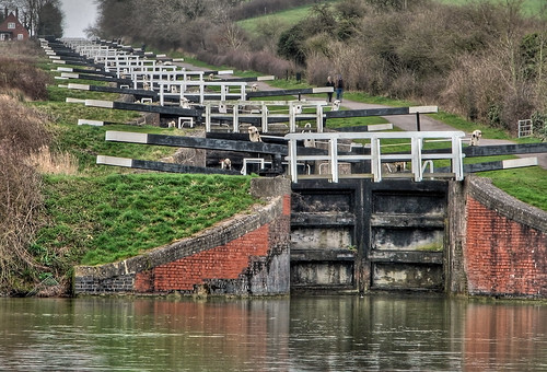 Caen Hill Locks, Devizes HDR 4153