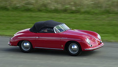 automobile(1.0), automotive exterior(1.0), porsche 356/1(1.0), vehicle(1.0), automotive design(1.0), porsche 356(1.0), subcompact car(1.0), city car(1.0), antique car(1.0), classic car(1.0), land vehicle(1.0), convertible(1.0), sports car(1.0),