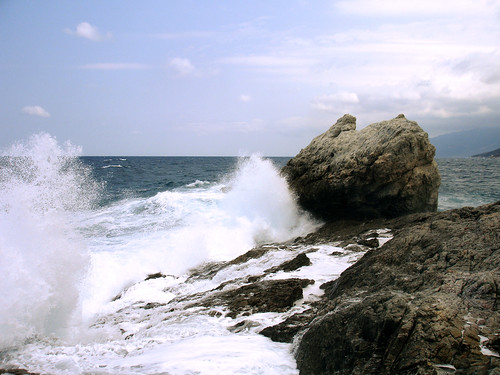 Armenistis Ikaria winter wave
