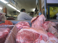 fish(0.0), red meat(1.0), horse meat(1.0), food(1.0), butcher(1.0), retail-store(1.0),