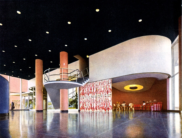 Magic Chef Building -- display area, colorized