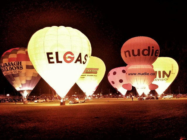 Balloon glow event at Strathalbyn.