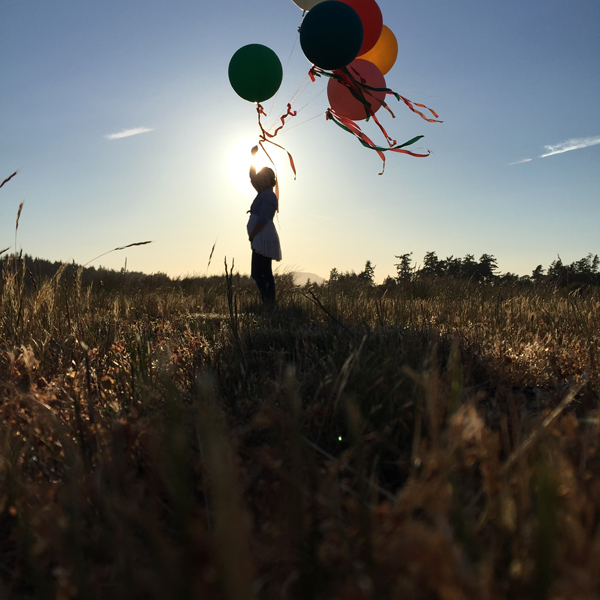 balloons and baby bump