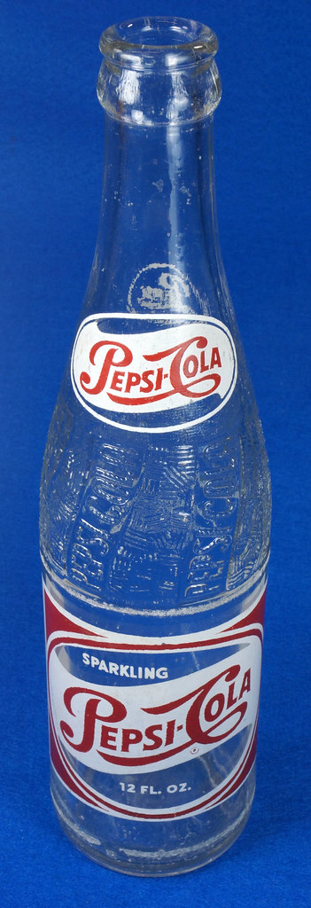 RD14691 1957 Pepsi-Cola Bottle 12 oz Raised Swirl with Painted Red & White ACL Label DSC07696