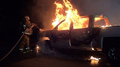 LAFD Engine 91 Quickly Quenches Pickup Truck Fire