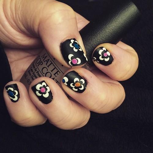 Flower Power nails. #Missjenfabulous #nailart