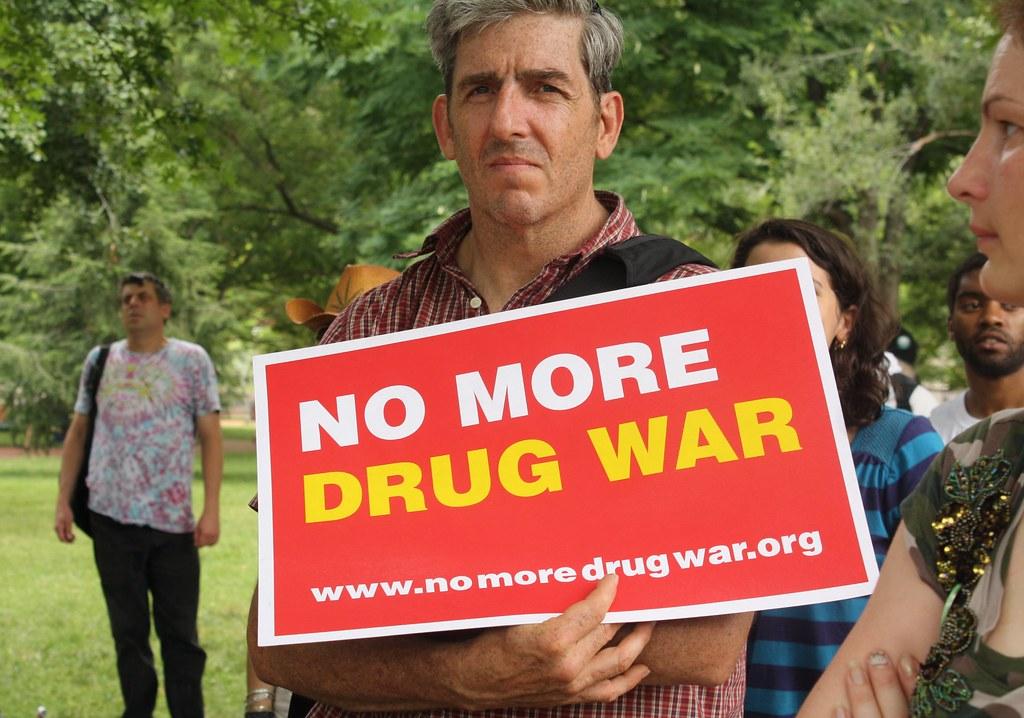 NoMoreDrugWar.SmokeIn.LafayettePark.WDC.4July2011