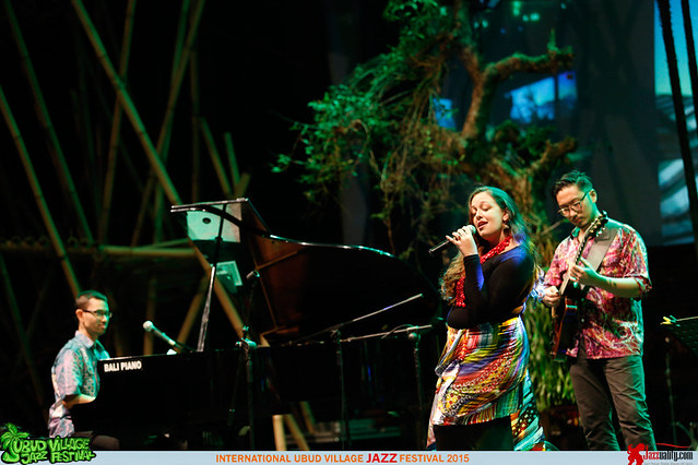Ubud Village Jazz Festival 2015 - Nial Djuliarso Quartet ft Laura Brunner (2)
