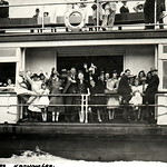 Ferry Koondooloo with passengers 17 January 1938