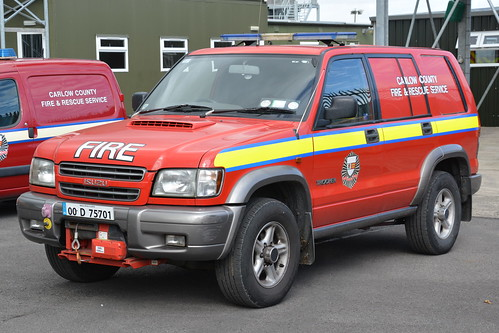 Carlow Fire & Rescue Service 2001 Isuzu Trooper HPMP Fire L4V 01CW75701