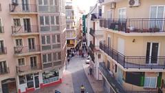 Situado en segunda línea de playa y pleno centro, cerca de todos los servicios. Solicite más información a su inmobiliaria de confianza en Benidorm  www.inmobiliariabenidorm.com