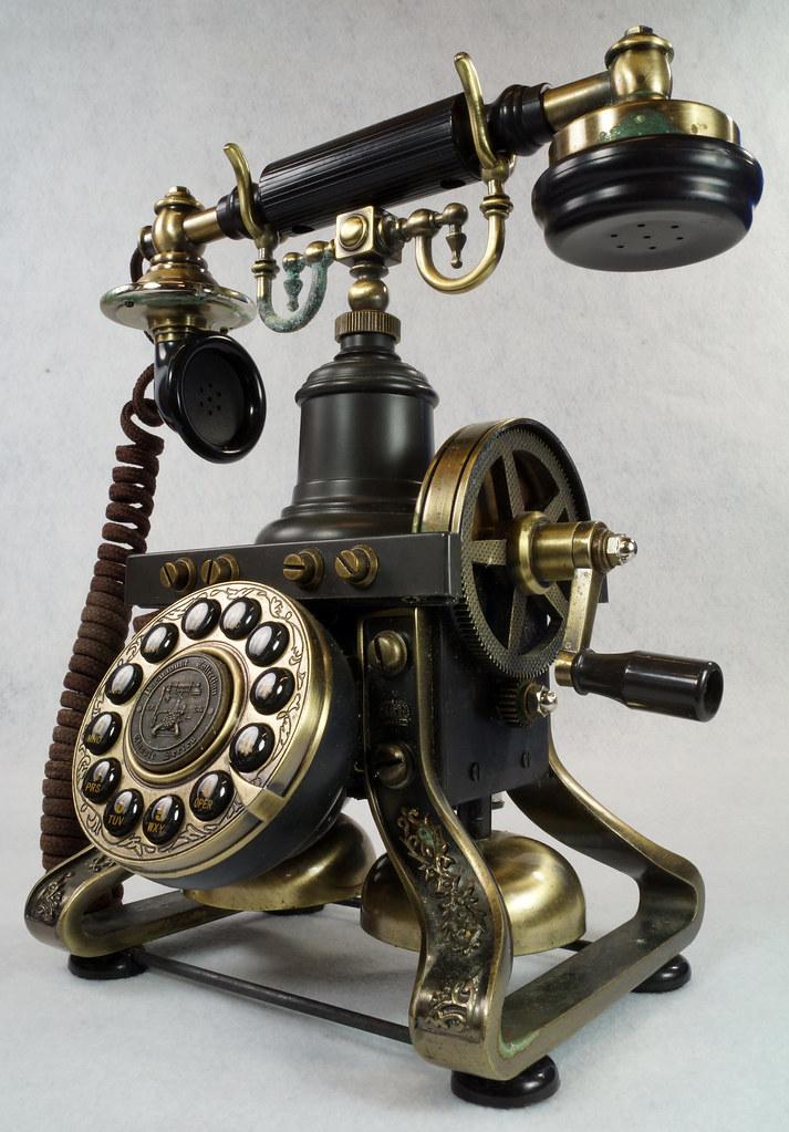 RD15260 Vintage Retro 1892 Eiffel Tower Paramount Replica Desk Telephone DSC08878