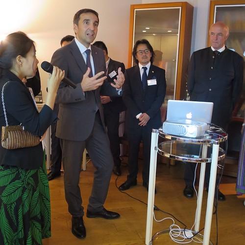 オーストリア大使館商務部の商務参事官、ミヒャエル・オッターさん。英語が上手。そして、多分日本語も分かってるっぽい。通訳での掛け合いが面白かった。