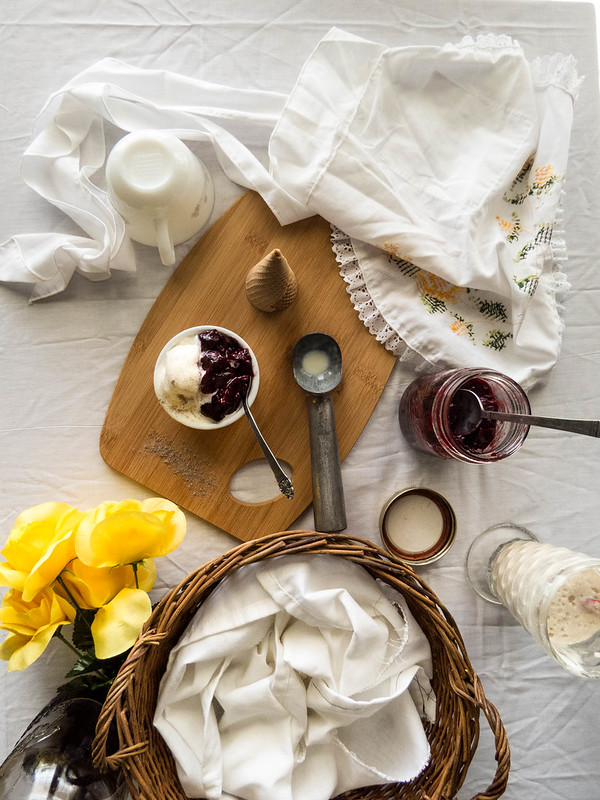 No-Churn Vanilla & Cardamom Ice-cream Two Ways | Root Beer Floats + Cherry Compote Topping