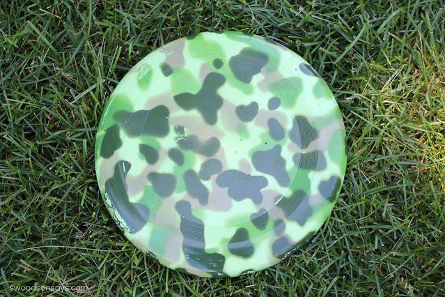 camo frisbee