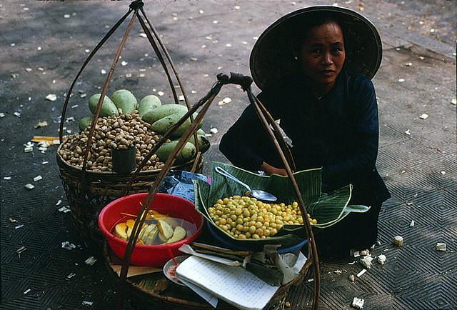 SAIGON 1966 - Street  food vender