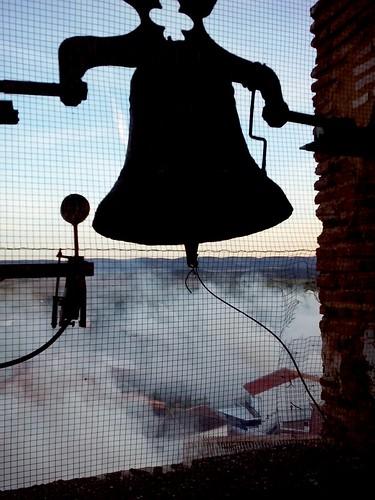 02_Al son de la campana