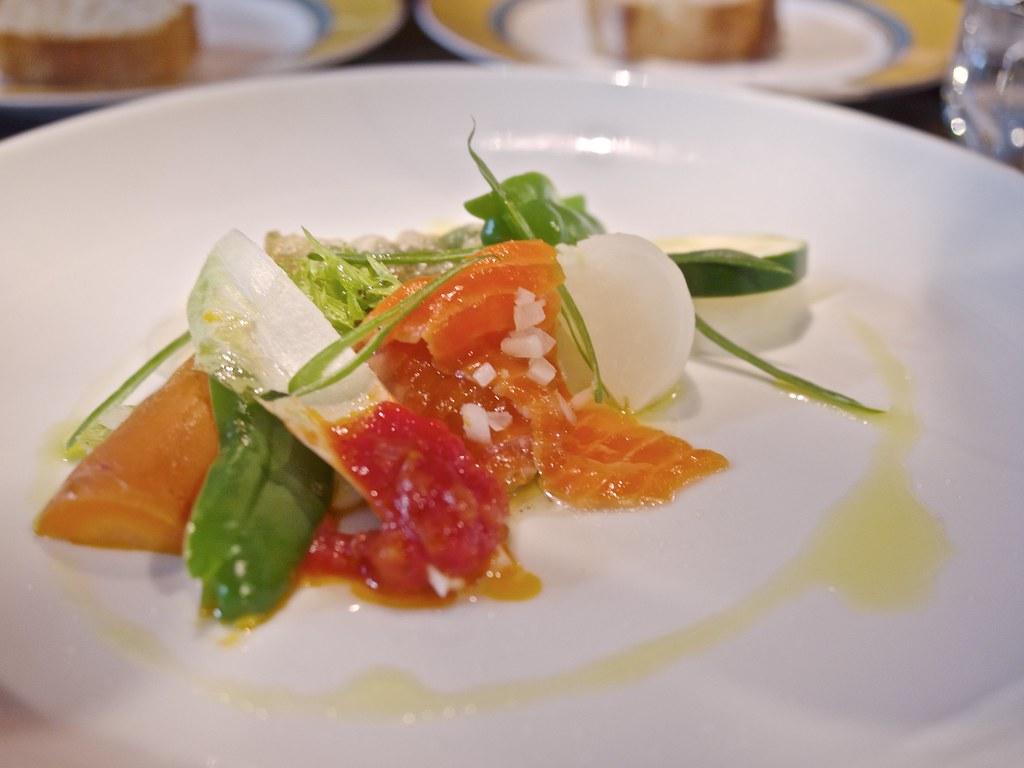 野菜のマリネ 白身魚スモークオイル仕立て