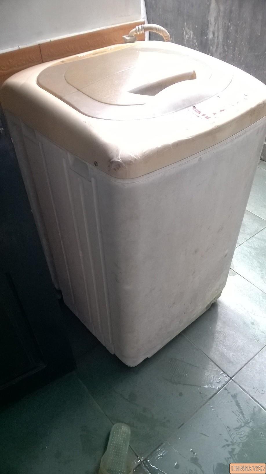 Bán máy giặt cũ hiệu Inter Milan 8kg cho anh em dùng tạm