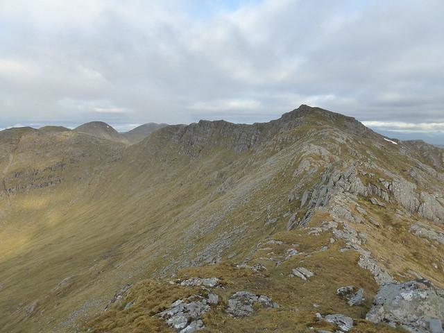 Looking west along the east ridge of Druim Fiaclach