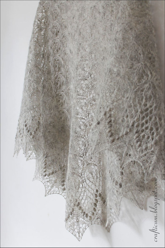 Grey Echo Flower Shawl