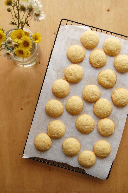 Saffron lemon cookies / Biscoitinhos de limão siciliano e açafrão
