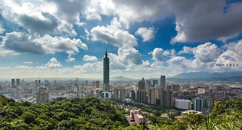 蔚藍Taipei 101