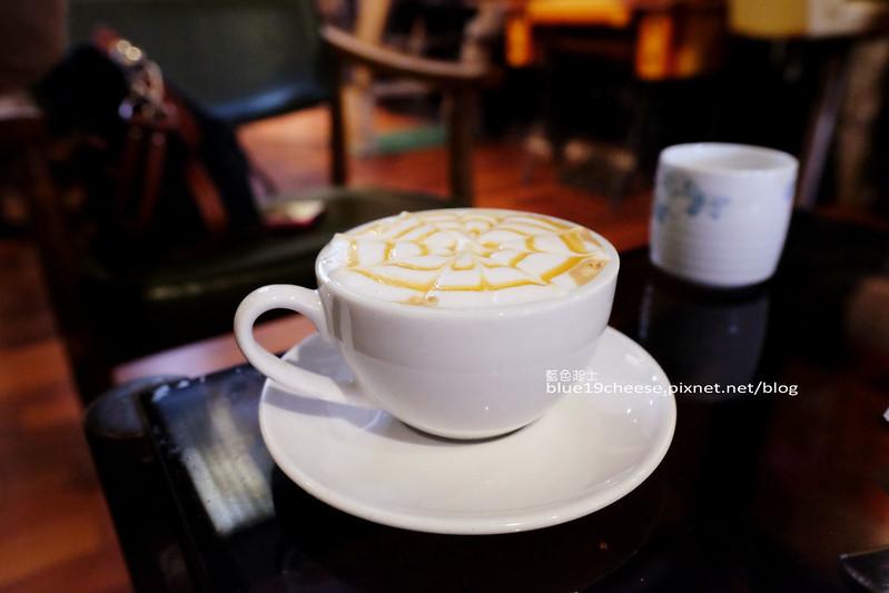 32423647335 73271a1216 c - Toyohara Coffee Roasters-豐原日據時期百年老建築.有著對老宅和咖啡的熱愛熱情.台中豐原老屋老宅咖啡館.豐原火車站商圈
