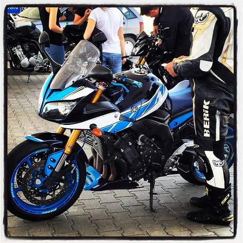 Another customized #Yamaha #FZ1