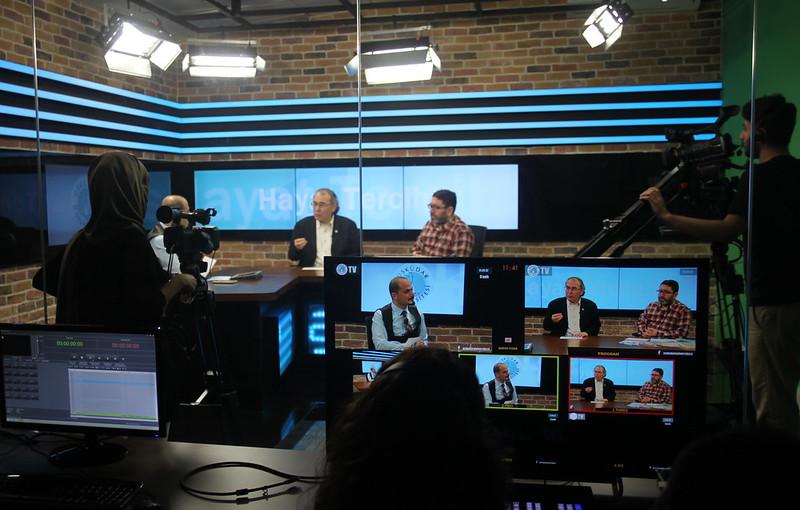Üsküdar Üniversitesi Televizyonu'ndan ilk canlı yayın