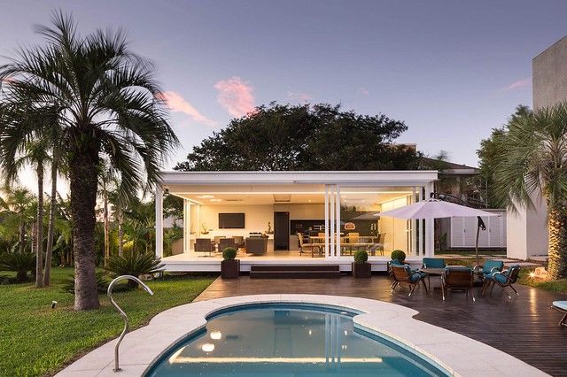 150725_Pool_House_in_Porto_Alegre_04__r